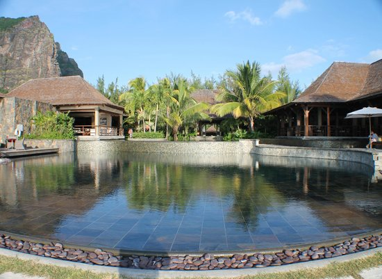 LUX* Le Morne: Infinity Pool