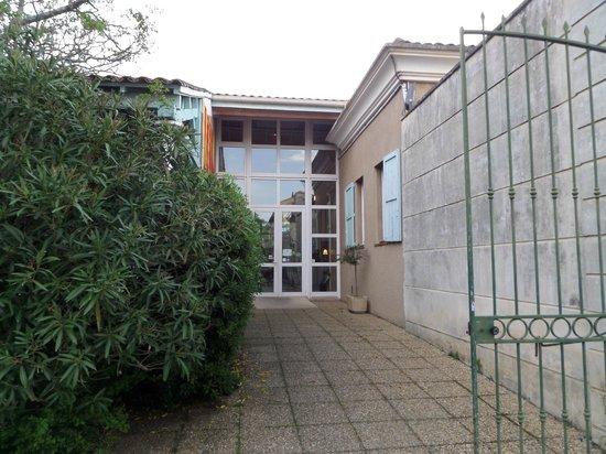 Le Domaine de la Reynaude : L'entrée principale de l'hôtel