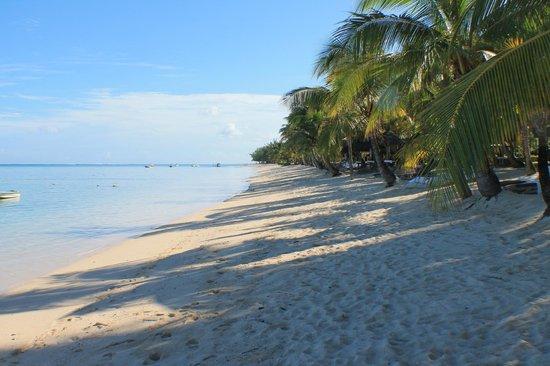 LUX* Le Morne: Beach