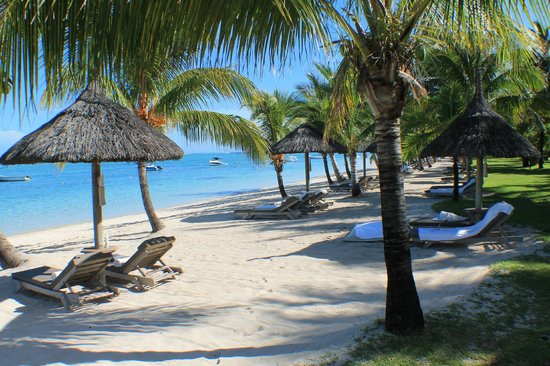 LUX* Le Morne: Beach and sun beds