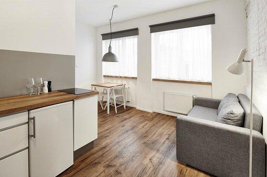 Laiko Apartments: White Apartment