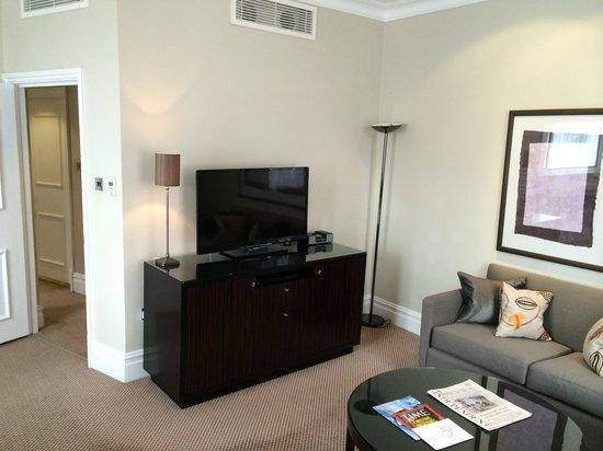 Taj 51 Buckingham Gate Suites and Residences: Living room