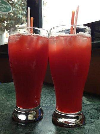 Rumeli Cafe & Restaurant : Strawberry and remedy drinks