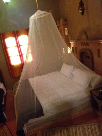 Riad Ouzine: interno stanza