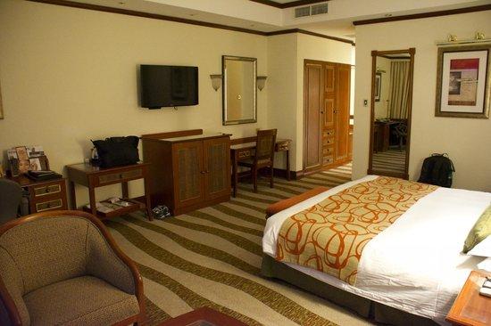 Kigali Serena Hotel : large room