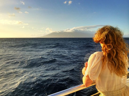 Kai Kanani Sailing Charters: Deluxe Molokini Snorkel & Sailing Adventure