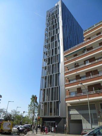Urbany Barcelona Hostel : Urbany visto de fora