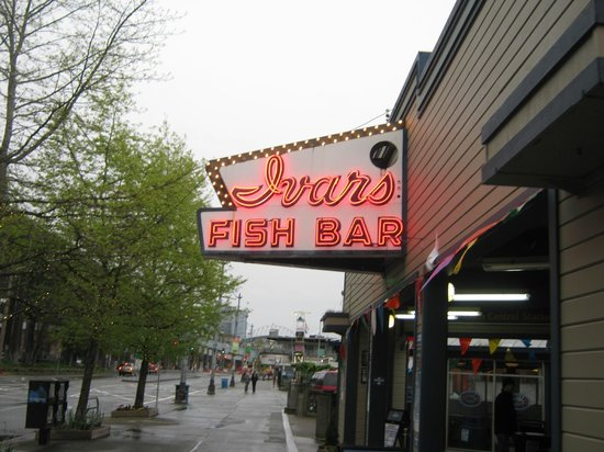 Ivar's Acres of Clams: sign outside bar area