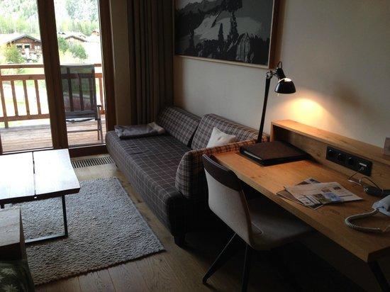 AQUA DOME Hotel : comfy sofa