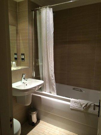 Frederick House Hotel : En-suite bathroom.