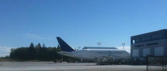 The Future of Flight Aviation Center & BoeingTour : Boeing 747 with a weight problem - Dream Lifter