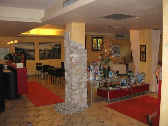 Hotel Donna Silvia: Sala lettura 'bella atmosfera'