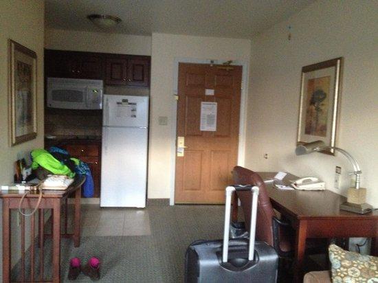 Staybridge Suites East Lansing-Okemos (MSU Area): king studio