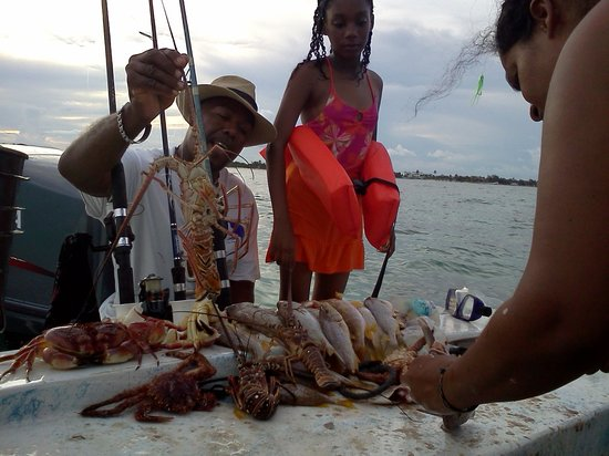 nice fishing Belize Master Tours
