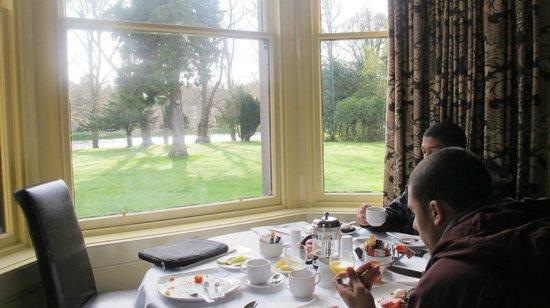 Maple Court Hotel: café da manhã