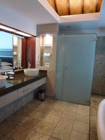 Hilton Moorea Lagoon Resort & Spa: Bathroom 2
