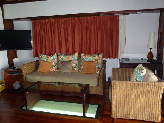 Hilton Moorea Lagoon Resort & Spa: Living Room area