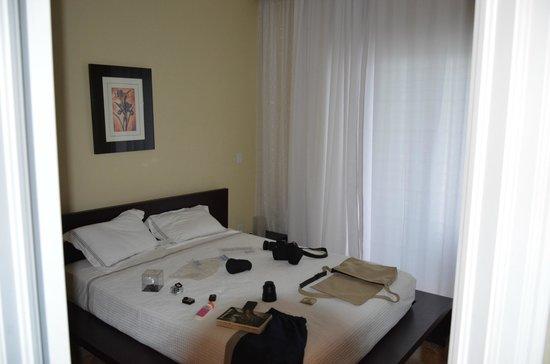 The Atrium Resort: One of the rooms