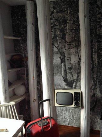 """Die Wohngemeinschaft Hostel: """"В лесу"""""""