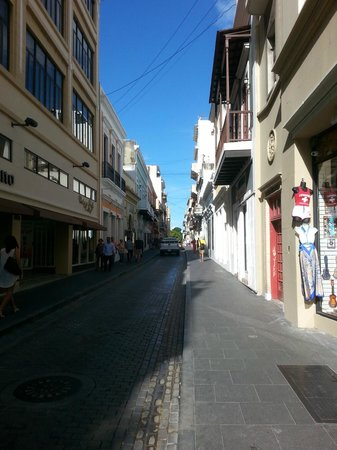 Fortaleza Street : shopping san juan