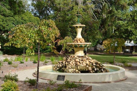 Town Hall Gardens: Fountain in the Gardens