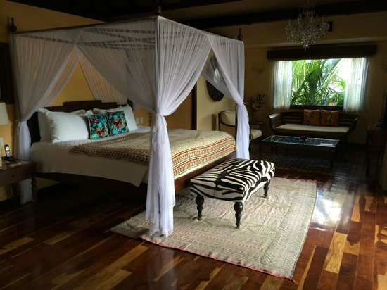 Nayara Springs: The beautiful bedroom, leading out to the private deck and pool