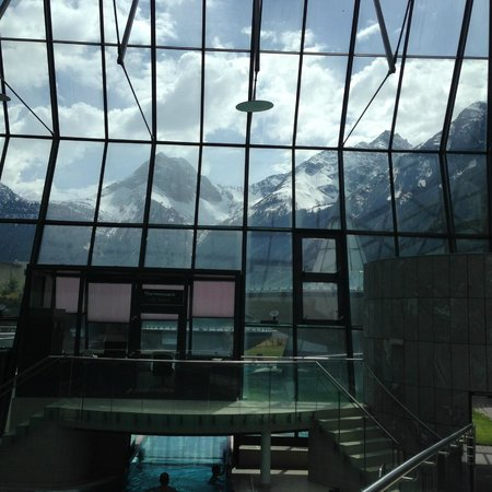 AQUA DOME Hotel : beautiful mountains visible from the inside pool area