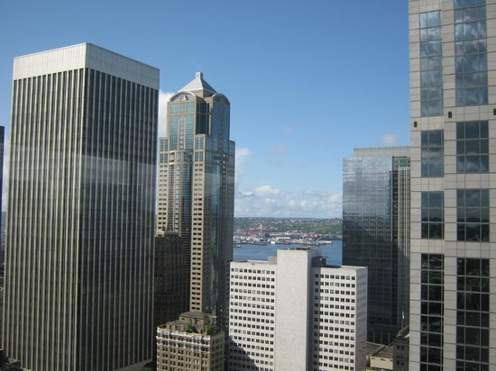Sheraton Seattle Hotel: view from 35th floor pool area