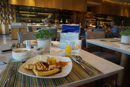 Hilton Garden Inn Shenzhen BaoAn: 終於有道地美式早餐