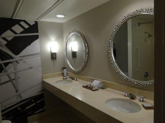 Bathroom Sinks Orlando bathroom - picture of renaissance orlando at seaworld, orlando