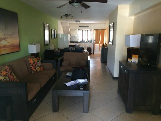 Amsterdam Manor Beach Resort: Inside our suite