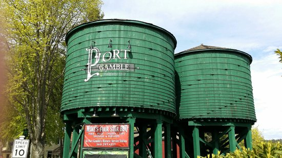 Kitsap Tours : Port Gamble Water Tower.