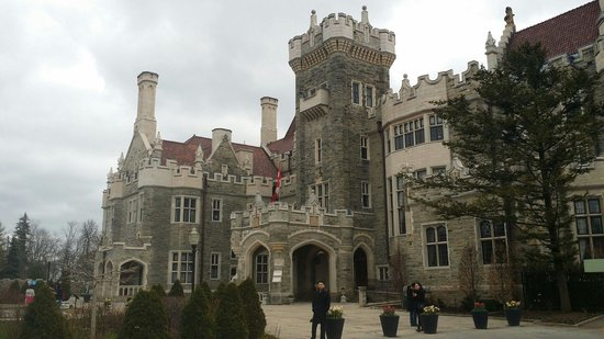 Casa Loma : Front of the house.