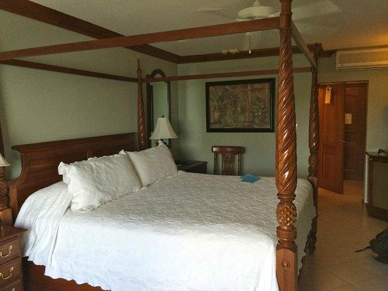 Sandals Regency La Toc : Our room