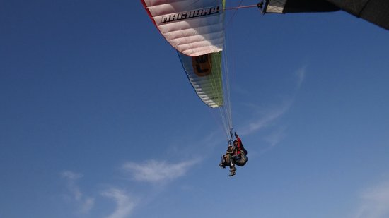 Reaction Paragliding: We did some tricks to meet mid-air