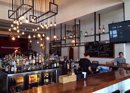 Union Bar and Grill: The bar