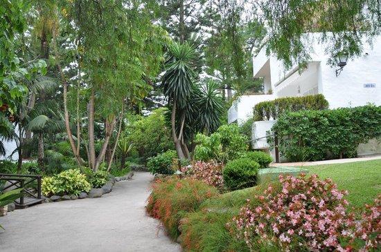 Puente Romano Beach Resort & Spa Marbella: территория отеля