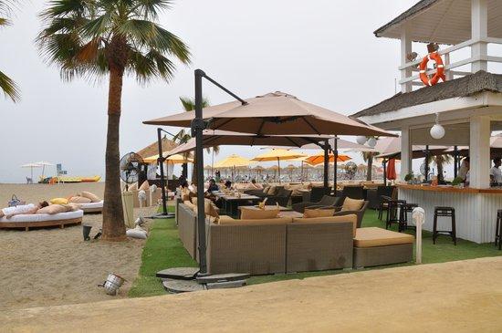 Puente Romano Beach Resort & Spa Marbella: ресторан на пляже