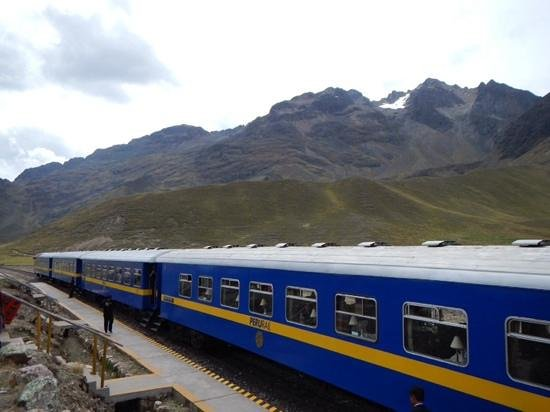 PeruRail Titicaca: what a sight...both train and scenery