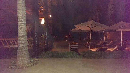Hotel Del Wawa: Foto de noche desde la habitación.