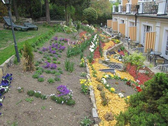 Landhaus Fuhrgasslhuber: The back garden
