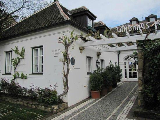 Landhaus Fuhrgasslhuber: The Landhaus entrance