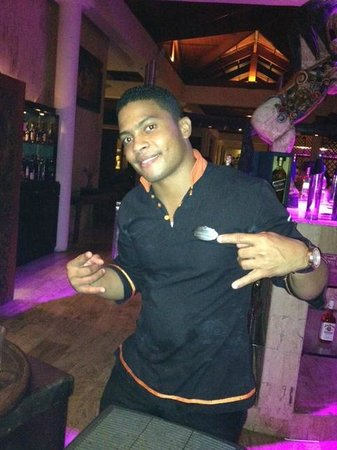 Paradisus Punta Cana Resort: Yes he can dance too!