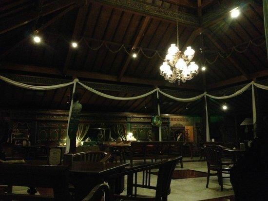 Dusun Jogja Village Inn : レストランの内装