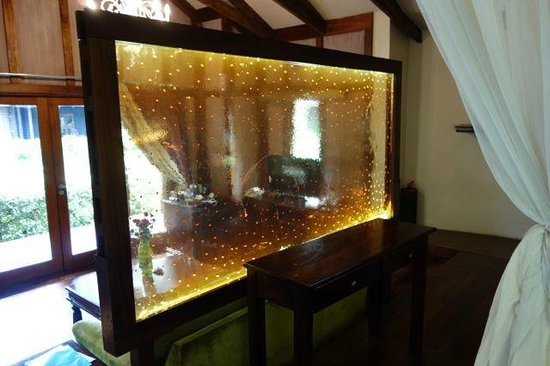 Arusha Coffee Lodge: the cool coffee screen - glass with beans embedded