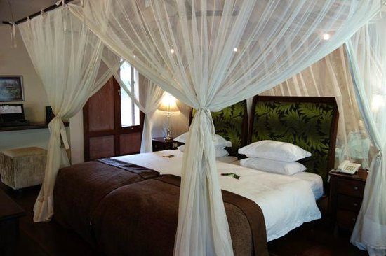 Arusha Coffee Lodge: the bedroom area