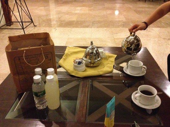 Dusun Jogja Village Inn : ホテルのロビーで、サンライズツアーの前にモーニングコーヒー