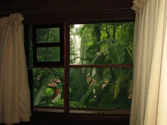 Cascadas de Misol-Ha: Stunning room view!