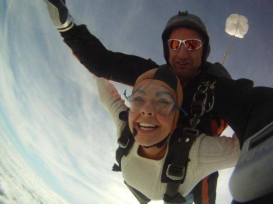 Skydive Ballistic Blondes Whangarei: Morven looking gorgeous over Whangarei with Skydive Ballistic Blondes