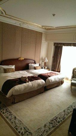 Legendale Hotel Beijing : Two Queen size beds  Room  813 on  8th floor